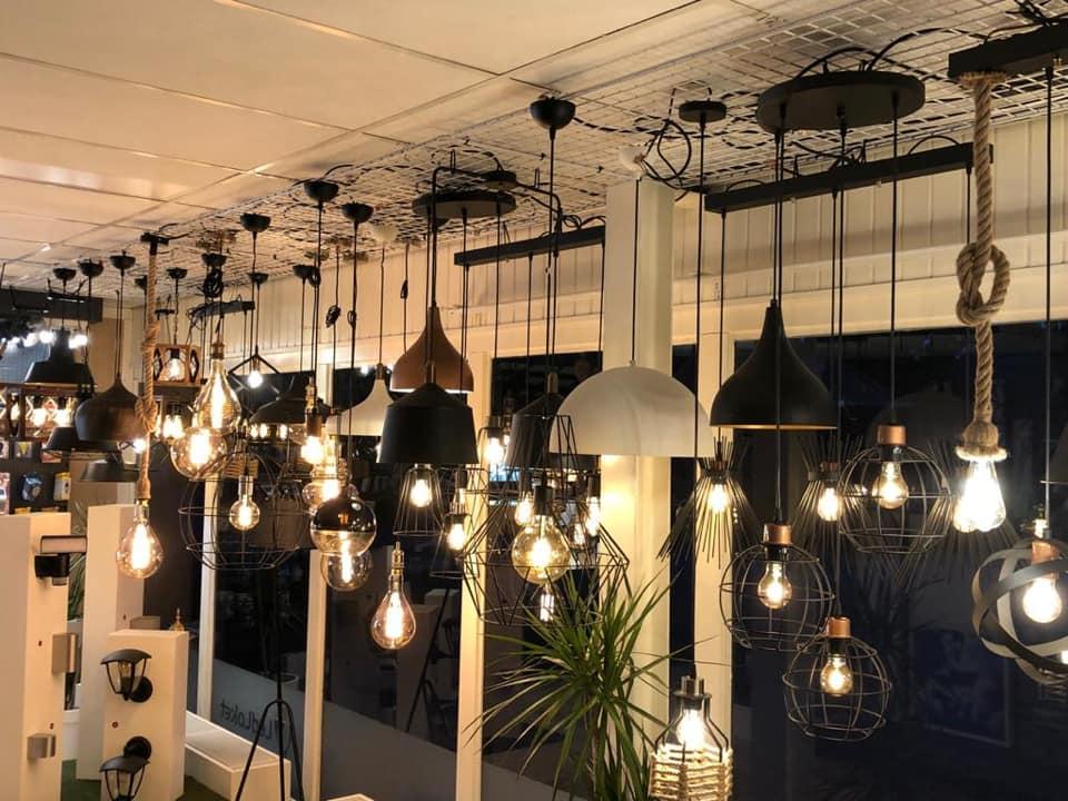 Showroom LedLoket Denekamp sfeerverlichting hanglampen - lampen
